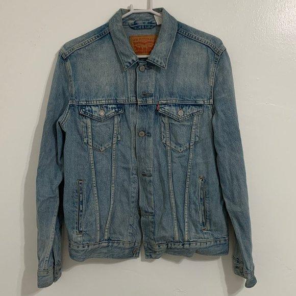Levi Light Stonewash Trucker Jacket, Size M